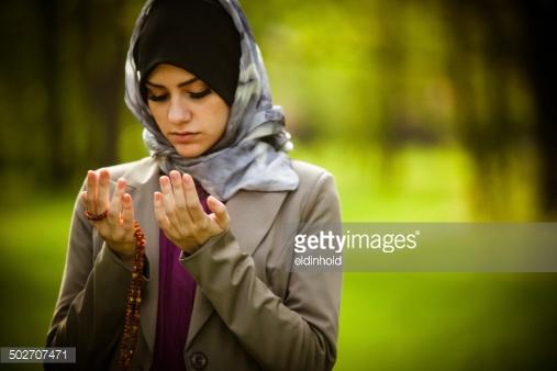 Trend Buka Tutup Jilbab