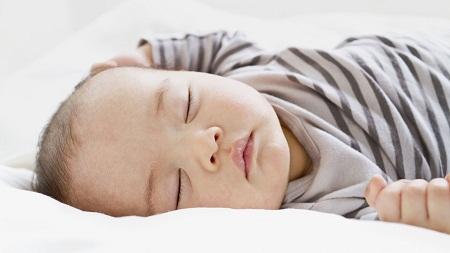 Hukum Cium Anak Semasa Tidur
