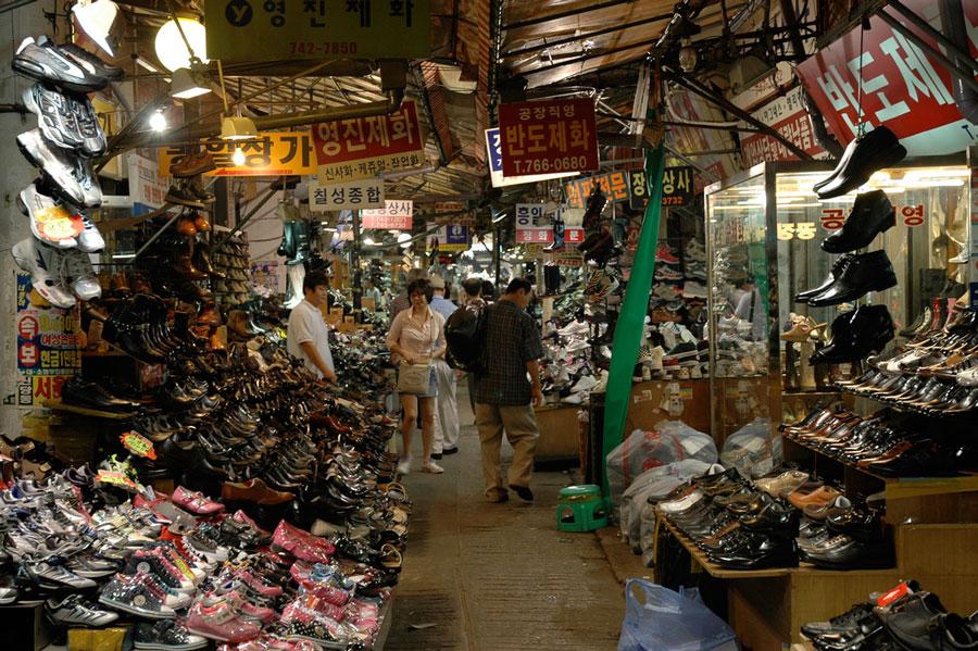 Belanja dan Makan di Dongdaemun, Korea - Panduan Perjalanan Mesra Muslim