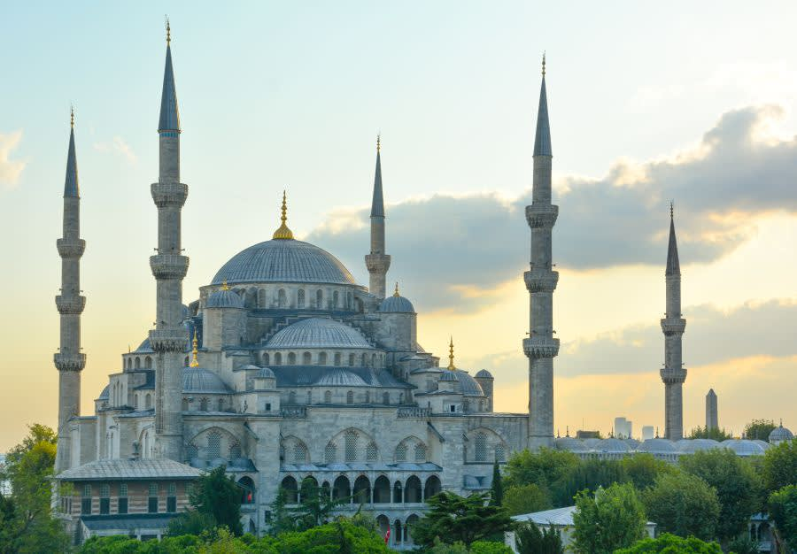 10 Destinasi Terbaik Mesra Muslim Untuk Melancong Bersama Ibu Bapa Anda
