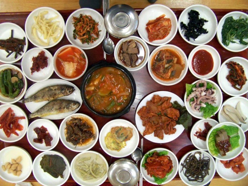 7 Restoran Makanan Halal Di Korea Yang Anda Mesti Cuba Semasa Percutian Anda!