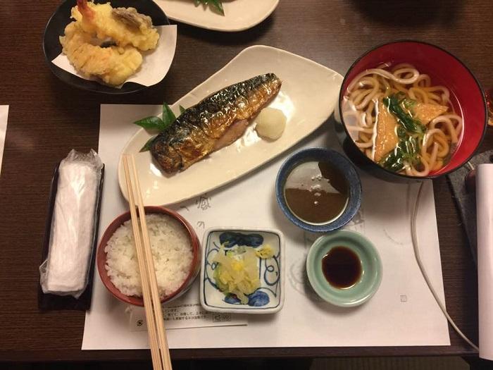 2-Restoran-Yang-Wajib-Anda-Singgah-Jika-Anda-Di-Osaka.jpg