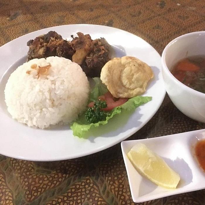 Cafe Bintang Menyajikan Hidangan Masyarakat Asia Yang Halal Di Jepun