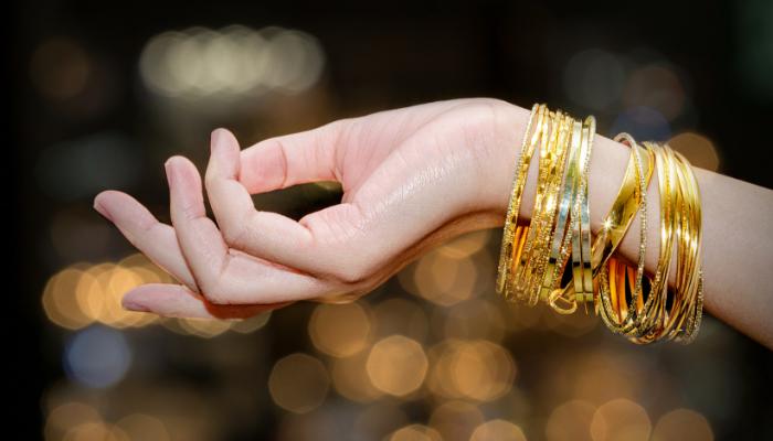 Adakah Emas Yang Dipakai Tidak Perlu Dikenakan Zakat?