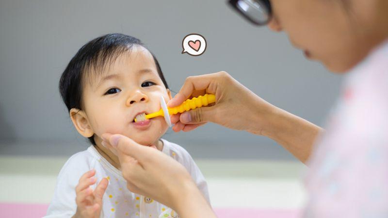 Pakar Kongsi Cara Pilih Bentuk Berus Gigi Yang Tepat Untuk Anak Kecil